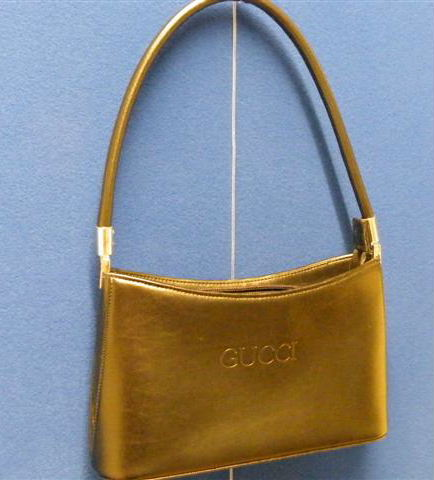 4 Gucci handbag black leather